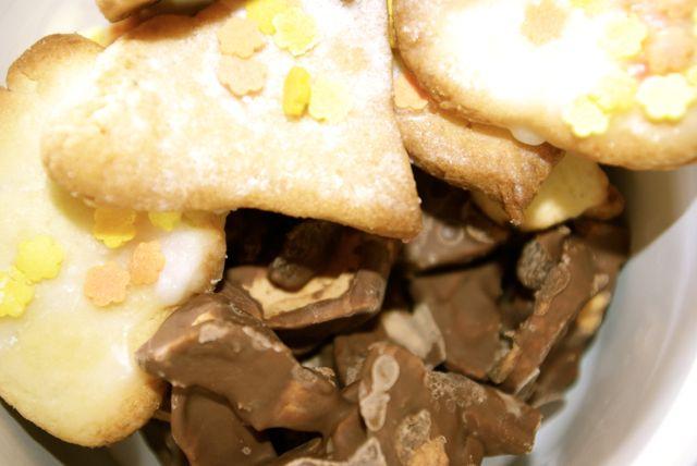 Kekse und Schokofrüchte