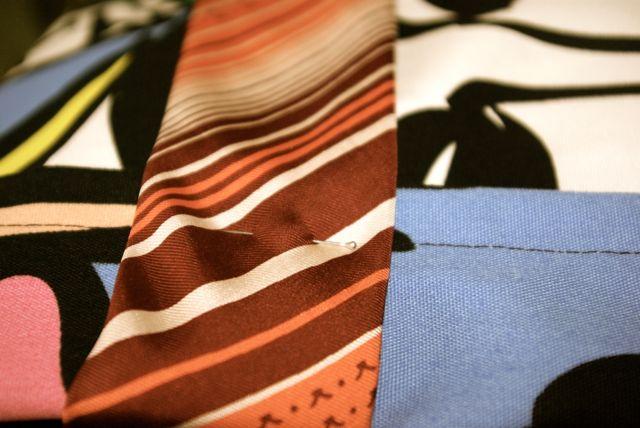 Krawatte anpinnen