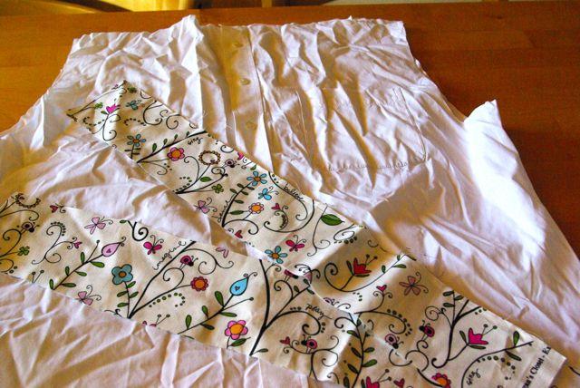 Hemd mit Bordürenstoff geblümt weiß