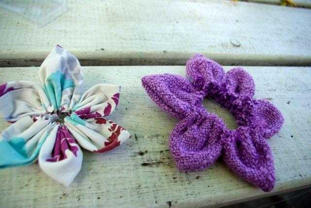 lila und türkise Blüte
