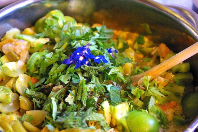 grüne Tomaten und Borretsch