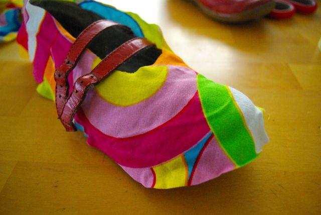 Schuh mit Stoff bekleben