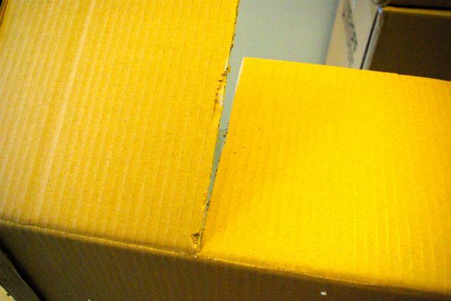 Stuhlkarton Seitenteile einschneiden