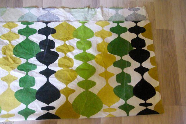 Vorhang abgeschnitten und gebügelt
